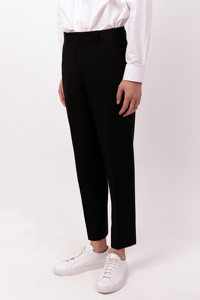 Tapered Crop Slacks (Black)